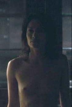 Лина Хиди снялась голой в фильме «Отражение», 2008