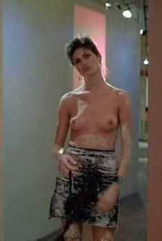 Голая Линда Фиорентино в фильме «После работы», 1985