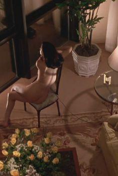 Голая Линда Фиорентино в фильме «Шлюха», 1995