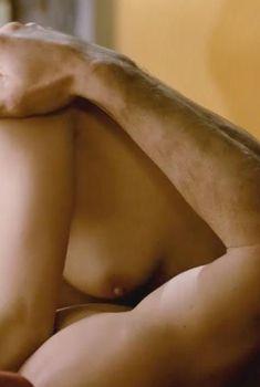Голая Линда Хэмилтон в фильме «Восход «Черной луны»», 1986
