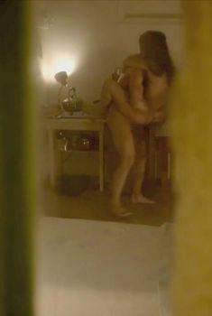 Голая Лия Лам в сериале «Отдел Ромео», 2015