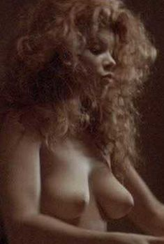 Голая Лолита Давидович в фильме «Блэйз», 1989