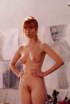 Голая Лора Линни в фильме «Мейз», 2000