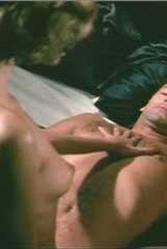 Голая Лорен Хаттон в фильме «Лэсситер», 1983