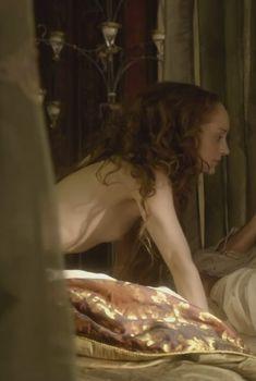 Голая Лотта Вербек в сериале «Борджиа», 2011