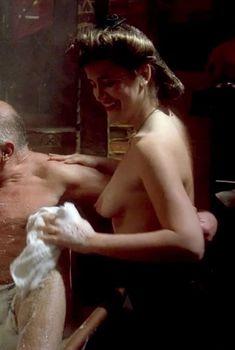 Голая Лэндон Холл в фильме «Повелитель кукол 3. Месть Тулона», 1990