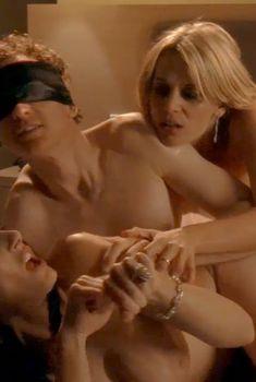 Голая Мадлен Уэст в сериале «Наслаждение», 2007