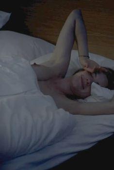 Голая грудь Малин Крепин в фильме «Осло, 31-го августа», 2011