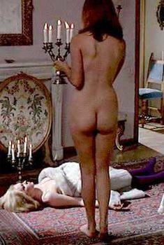 Голая Маргарет Ли в фильме «Венера в мехах», 1994