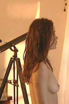 Голая Маргерит Моро в фильме «Передышка», 2003