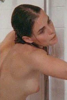 Голая Марго Хемингуэй в фильме «Губная помада», 1976