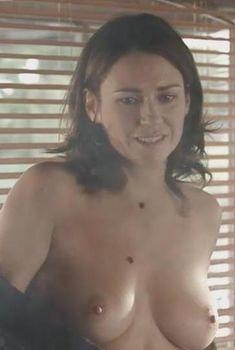 Абсолютно голая Мари-Жозе Кроз в фильме «Мюнхен», 2005