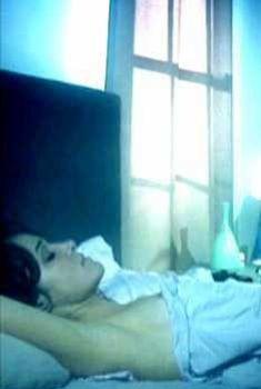 Голый сосок Мариан Сапико в фильме «Потерянная граница», 2008