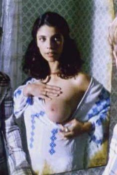 Голая Марибель Верду в фильме «Боковые дороги», 1997