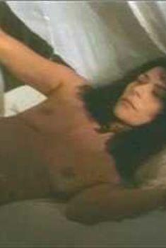 Голая Марина Сиртис в фильме «Племя тьмы», 1999