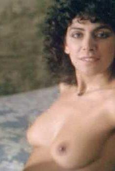 Голая Марина Сиртис в фильме «Свидание с незнакомцем», 1984
