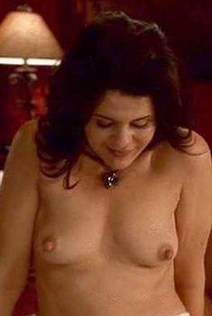Голая Мария Кончита Алонсо в сериале «Клан», 2003