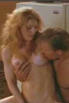 Голая Мария Форд в сериале «Эротические признания», 1994