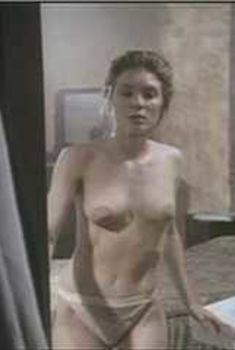 Голая Мария Форд в фильме «Горячая линия», 1982