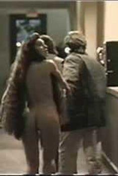 Голая Мария Форд в фильме «Невыразимый ужас 2. Показания Рэндольфа Картера», 1992
