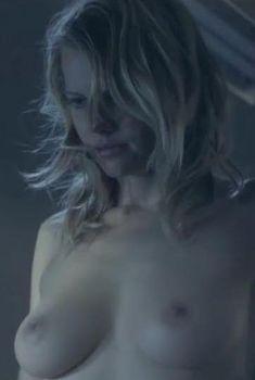 Голая Марсей Монро в фильме «Кровавая работа», 2012