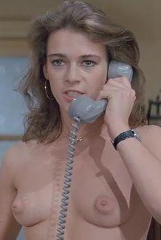 Голая Марушка Детмерс в фильме «Месть пернатого змея», 1984