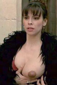 Голая Матильда Мэй в фильме «Титька и луна», 1994