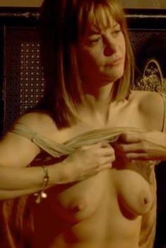 Голая Мег Райан в фильме «Темная сторона страсти», 2003