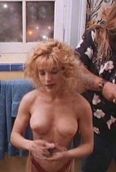Голая Мелора Уолтерс в фильме «Двадцать баксов», 1993