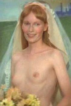 Миа Фэрроу засветила голую грудь в фильме «Свадьба», 1978