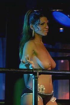 Миша Седжвик засветила голую грудь в фильме «Путь Карлито 2. Восхождение к власти», 2005