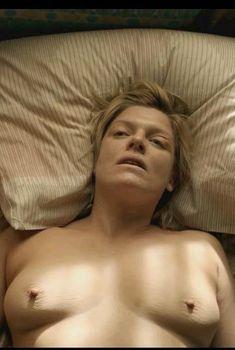 Молли Прайс засветила грудь в сериале «Бесстыдники», 2011