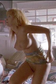 Голая Моник Габриэль в фильме «Чудо-пляж», 1992