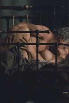 Моника Беллуччи обнажилась в фильме «Любовь. Инструкция по применению», 2011