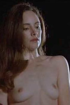 Мэделин Стоу полностью разделась в фильме «Фарфоровая луна», 1991