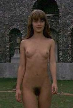 Полностью голая Настасья Кински в фильме «Дочь для Дьявола», 1976