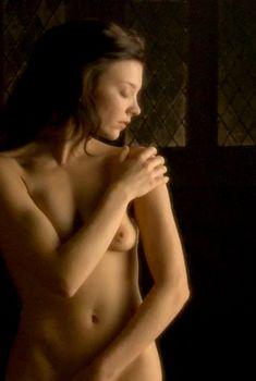 Голая Натали Дормер в сериале «Тюдоры», 2007