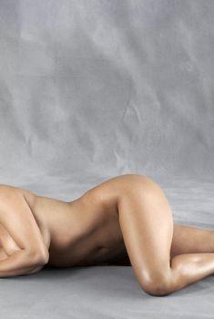 Ким Кардашьян разделась для журнала Harper's Bazaar, Май 2010