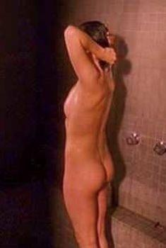 Нив Кэмпбелл снялась голой в фильме «Когда меня полюбят», 2004