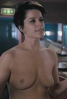 Нив Кэмпбелл разделась догола в фильме «Я так ненавижу свою работу», 2007