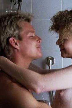 Голая Николь Кидман в фильме «Оседлавший ветер», 1986