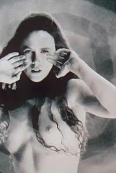 Голая Николь Кидман в фильме «Портрет леди», 1996