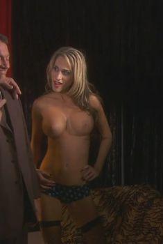 Красотка Николь Оринг снялась обнажённой в сериале «Тайны и секреты личной жизни студентов», 2007