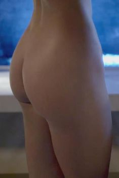 Голая попка Оливии Джордан в сериале «Убийство первой степени», 2014