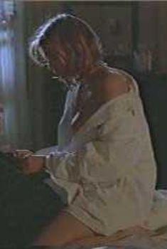 Оливия д'Або засветила грудь в фильме «Последний разочек», 1994