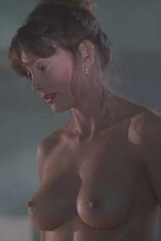 Голая Памела Сьюзан Шуп в фильме «Хэллоуин 2», 1981