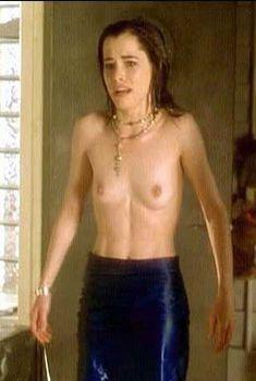 Голая Паркер Поузи в фильме «Несчастья Маргарет», 1998