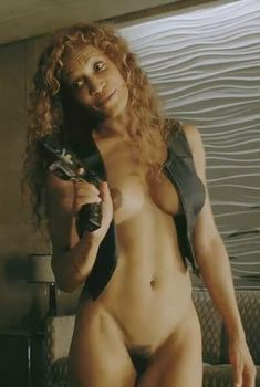 Полностью голая Патриция МакКензи в фильме «Космополис», 2012