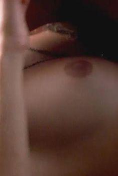 Голая Пенелопа Крус в фильме «Выбор капитана Корелли», 2001