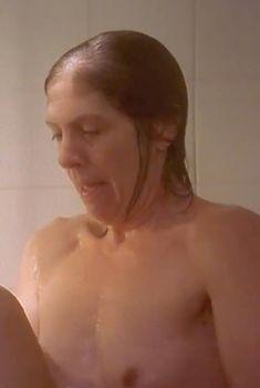 Голая Пенелопа Уилтон в фильме «Айрис», 2001